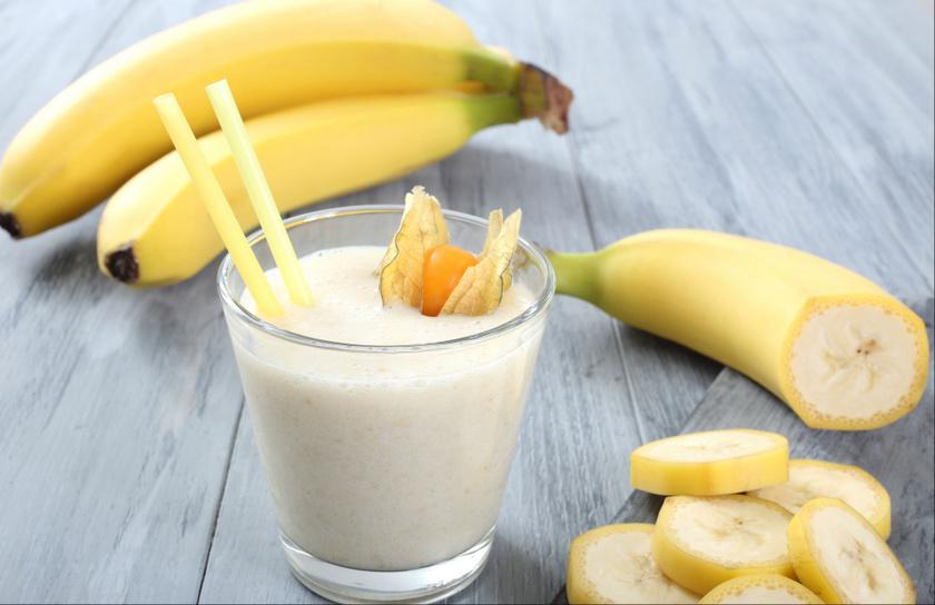 Eleinte meglehet, hogy csak a nyers banánt kívánja az ember. Később akár turmix is készülhet belőle, egy banánhoz tehetsz két és fél deciliter kókusz- vagy rizsitalt, pici fahéjat és egy almát.
