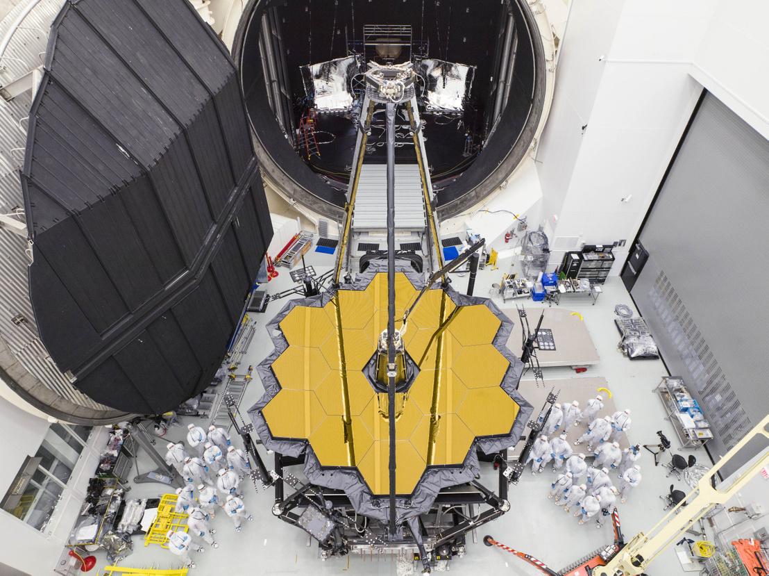 A JWST (James Webb Space Telescope) 2017. december 1-jén, a NASA houstoni központjában, egy tesztsorozat után