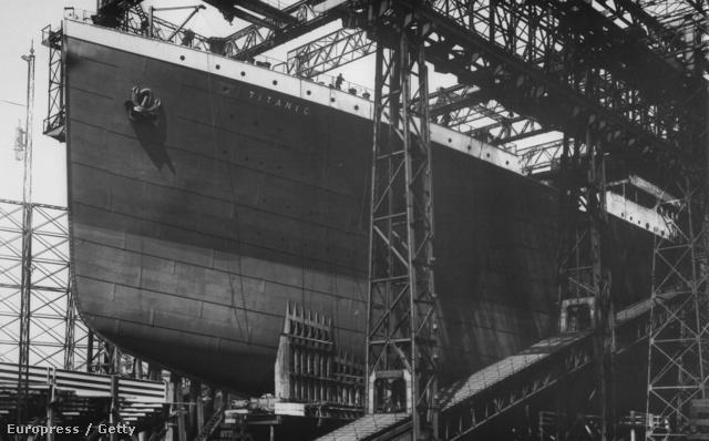 Korának legnagyobb hajója volt. A burkolatát alkotó acéllapokat 3 000 000 szegeccsel rögzítették.