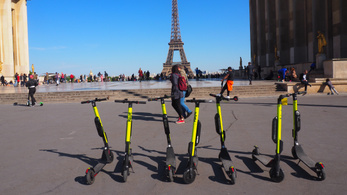 Párizsnak elege lett az elektromos rollerekből