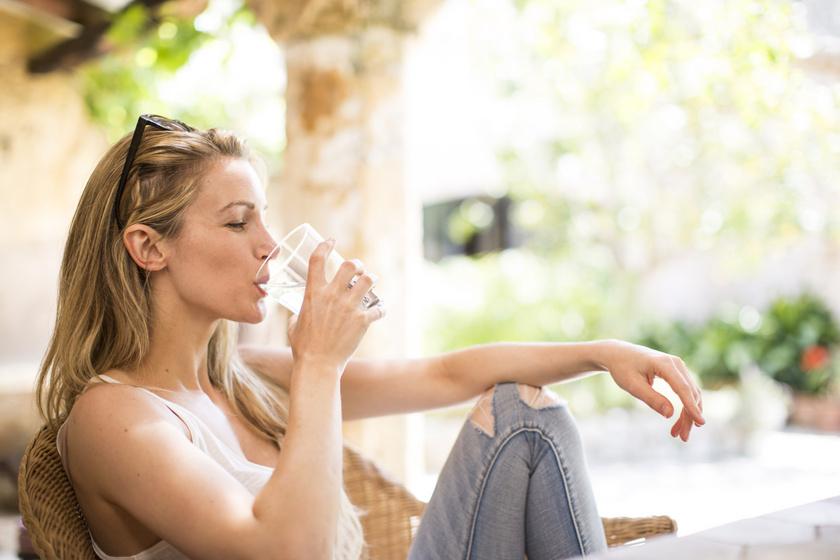 4-ből 3 ember nem iszik elég vizet, pedig még a fogyást is durván felgyorsítja