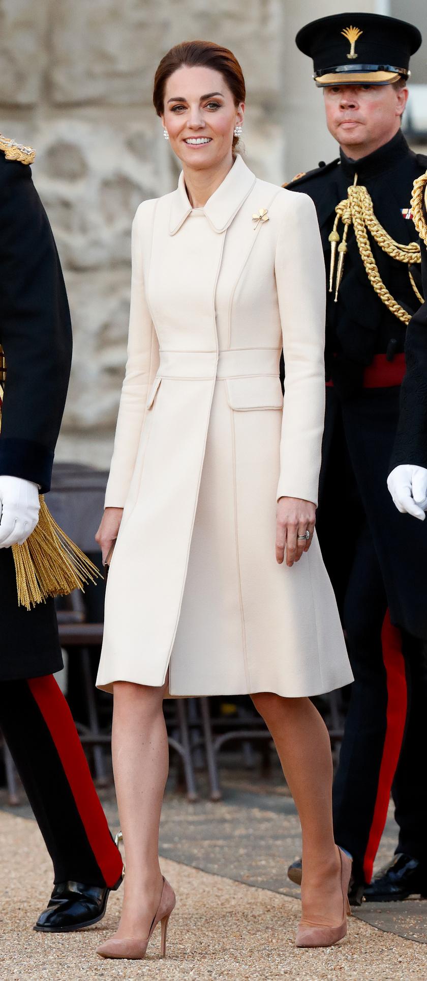 Katalin hercegnének ez a szolid darab is remekül állt.