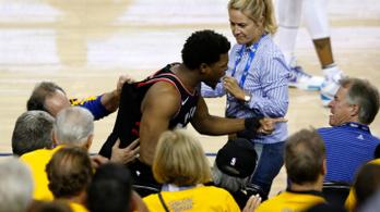 Félmillió dolláros büntetést kapott a Warriors-tulaj egy apró lökésért