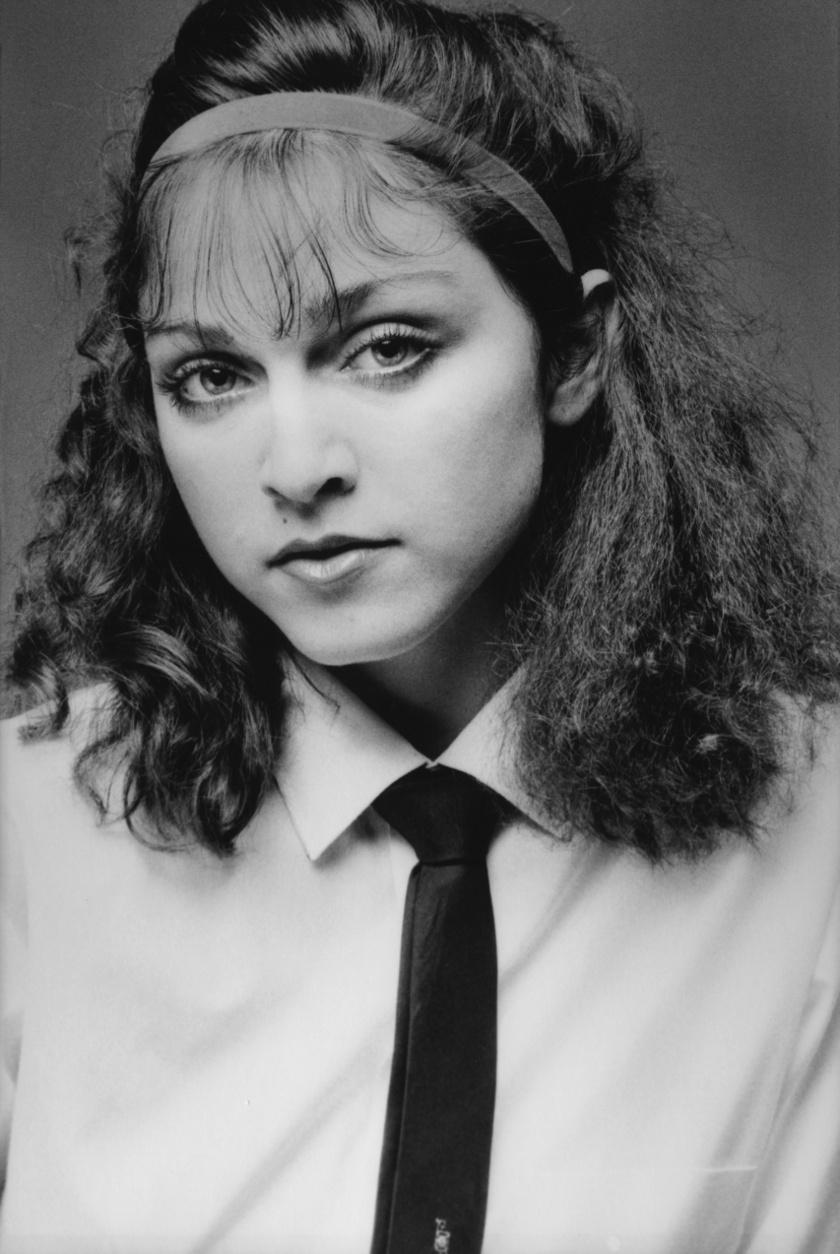 Madonna csupán 20 éves volt, amikor ez a kép készült róla. Talán itt még ő maga sem sejtette, hogy pár éven belül ő lesz a pop koronázatlan királynője.