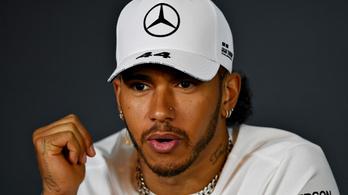 Hamilton több hátrányos helyzetű fiatalt akar bevonni az F1-be