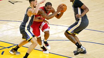 Currybe fojtotta a triplákat a Raptors, tönk szélén a GSW az NBA-döntőben