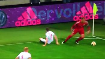 Manuel Neuer újra a régi, extrém cselekkel dobta fel a meccset