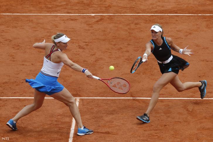 Babos Tímea (b) és francia partnere, Kristina Mladenovic játszik a Tuan Jing-jing, Cseng Szaj-szaj alkotta kínai kettős ellen