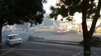 A levezető körön csapódott egy autó a nézők közé a tótkomlósi rallyn