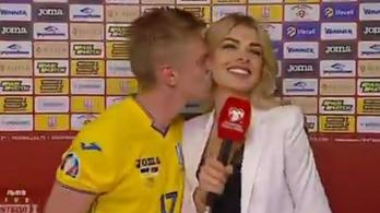 Csókkal válaszolt a City sztárja a riporter kérdésére