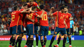 Spanyolország lefocizta a svédeket az Eb-selejtezők hétfői rangadóján