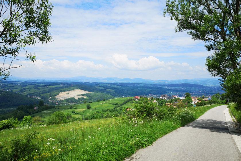 Meseszép hegyvidék, csodás városkák: Kis-Lengyelországban gyönyörű a nyár