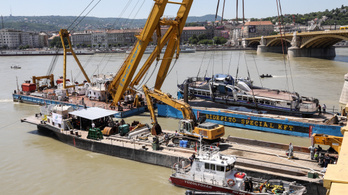The Hableány was lifted from the Danube