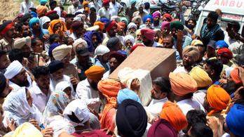 Négy nap után holtan hoztak fel egy kútból egy indiai kisfiút