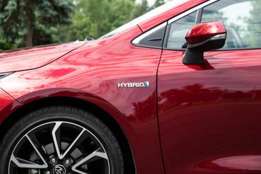A Prius formája egyértelmű, itt van helyette egy halom felirat