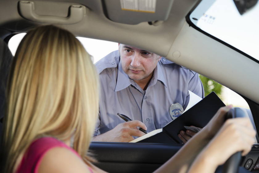 Nagyon megbüntethetnek, ha ez nincs a kocsidban: nem csak az egészségügyi doboz és az elakadásjelző a kötelező
