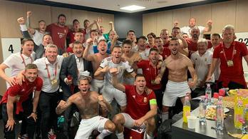 Óriási hangulat az öltözőben Wales legyőzése után