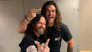 A Slayerrel fényképezkedve búcsúzott Jason Momoa Budapesttől