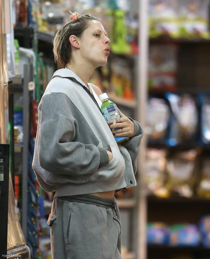 Ön emlékszik egyáltalán, hogy hogyan néz ki, amikor Kristen Stewart kirittyent tetőtől-talpig Chanelben? Hát így.