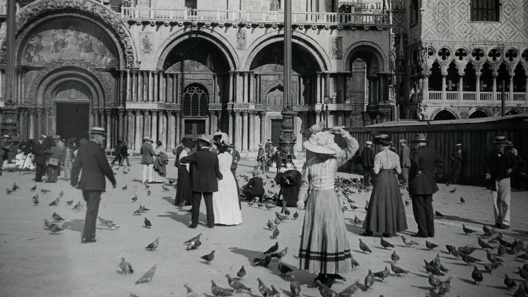 Velence már száz éve sem bírt a turizmussal