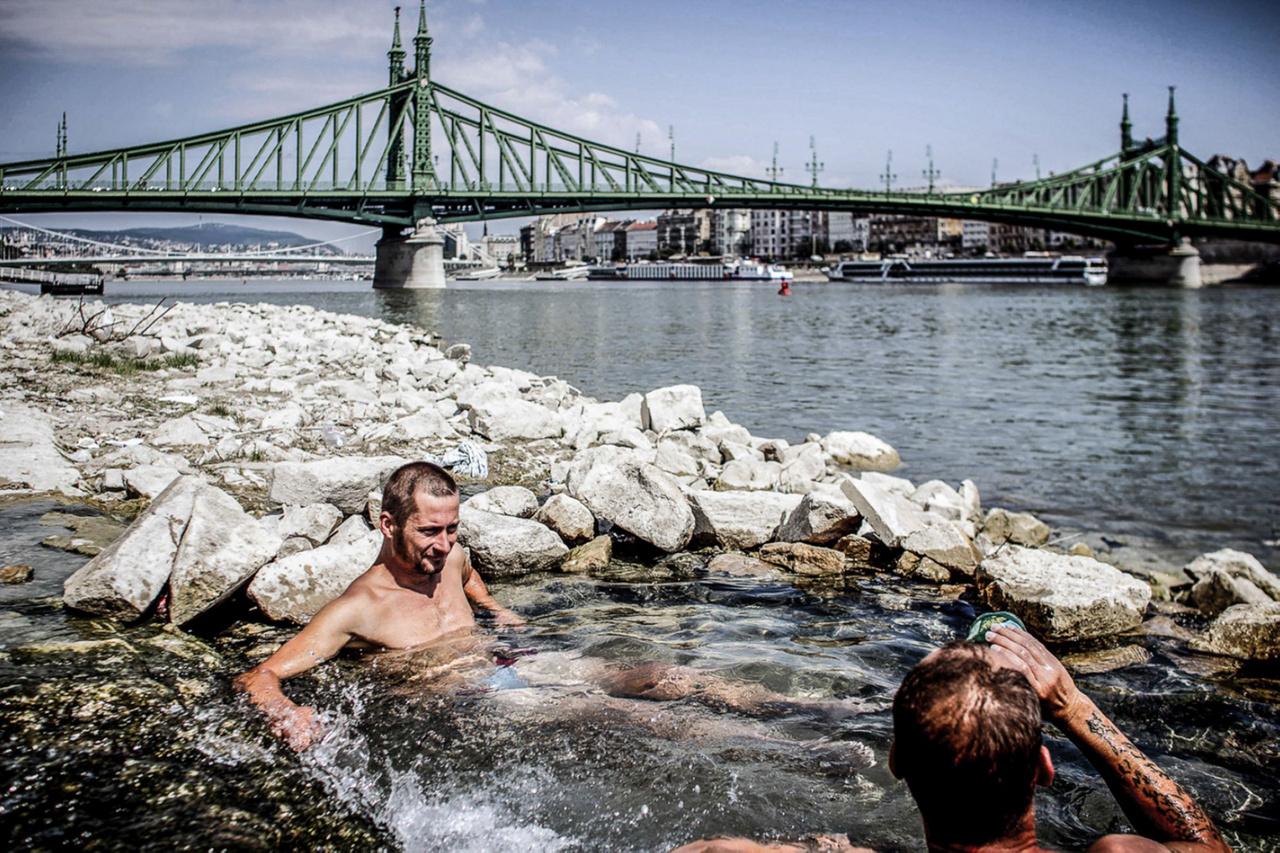 Csudai legismertebb anyaga a Csudapest nevű, Budapesten készített fotósorozata a mindennapi látványokról, emberekről, helyzetekről.