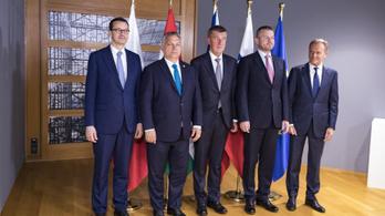 Rendkívüli V4-csúcs lesz csütörtökön Budapesten