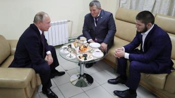 Putyin két és fél milliárdot adott a Habibról elnevezett iskolára