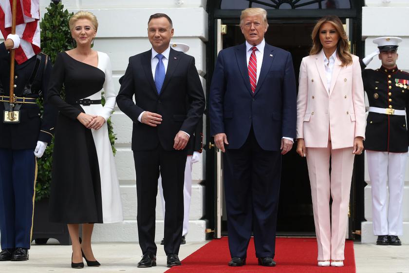 Melania és Donald Trump szerdán fogadta a Fehér Házban a lengyel miniszterelnököt és feleségét, Andrzej Dudát és Agata Kornhauser-Dudát.