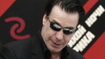 Lekurvázták az ismerősét, ütött a Rammstein énekese