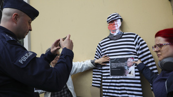 Még szigorúbban büntetik a lengyelek a pedofíliát