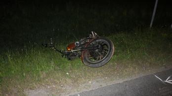 Nekiütközött a helységnévtáblának és meghalt egy motoros
