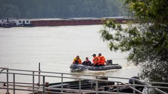 A rendőrség nonstop keresi a hajóbaleset áldozatait