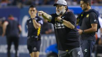 Két műtét is vár Maradonára, elhagyja mexikói klubját
