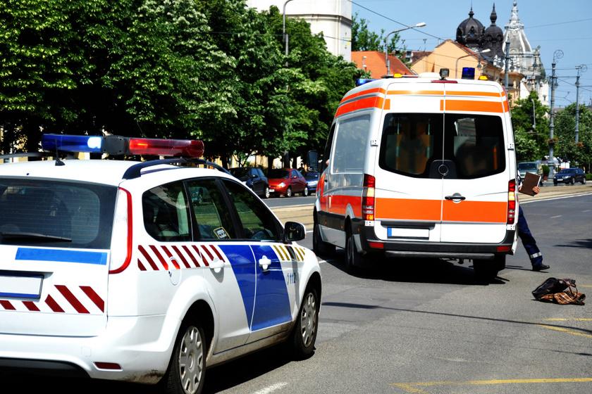 Nem csak a mentőt kell elengedni: ki közlekedhet még megkülönböztető jelzéssel?