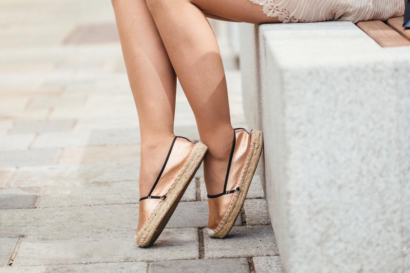Kényelmes nyári cipők, amikben nem fog fájni a lábad - Nőies, divatos darabok 10 ezer forint alatt