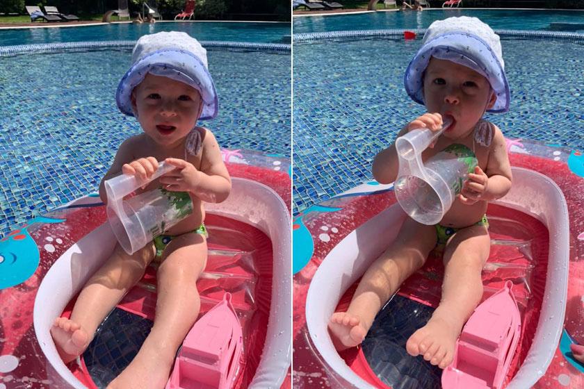 A kánikulában a kis Edward is a medencében és a gumicsónakjában hűsöl.