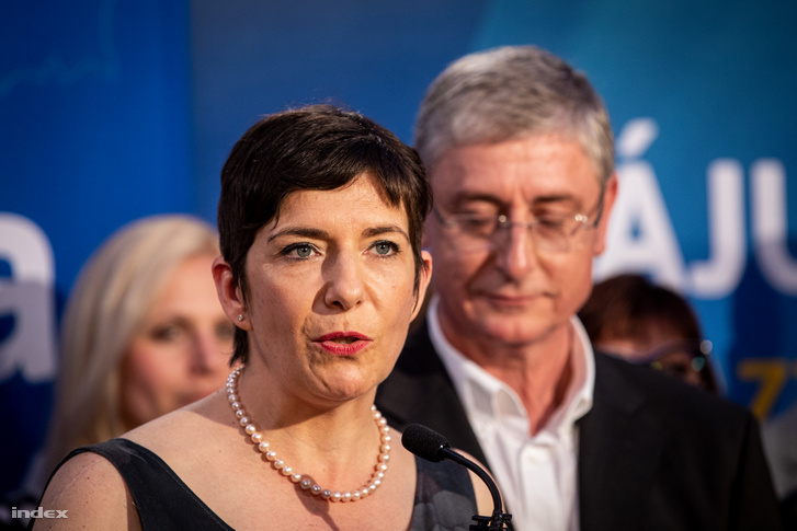 Dobrev Klára, a DK EP-listavezetője és Gyurcsány Ferenc, a Demokratikus Koalíció (DK) elnöke