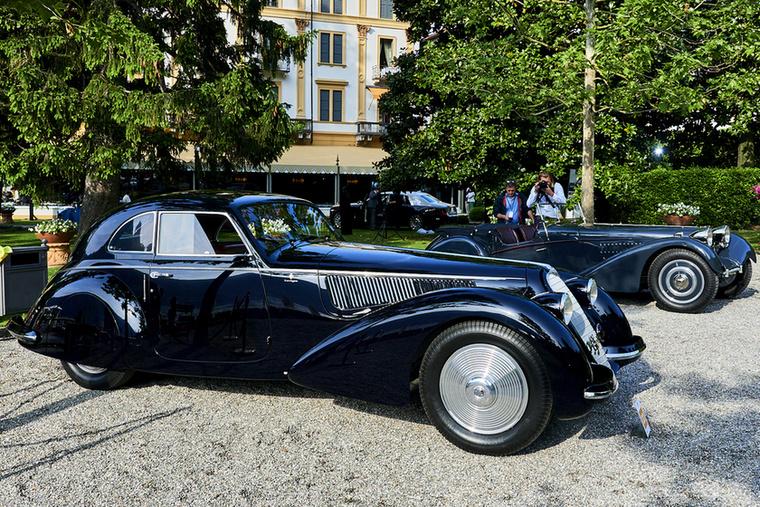 Alfa Romeo 8C 2900 B Berlinetta Touring, 1937 – ez a kocsi kapta a rendezvény fődíját, a Best of Show címet és a vele járó BMW Csoport Trófeát (a BMW a Concorso főtámogatója)