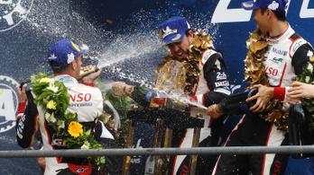 Fernando Alonso harmadszor is világbajnok, de nem az F1-ben