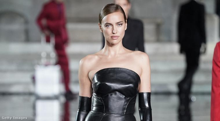 4. Irina Shayk itt például csupafeketében nagyon szigorú, a tervező Ermanno Scervino.