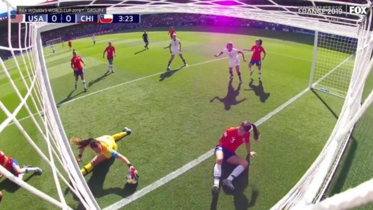 Három gólt kapott, mégis ünneplik a női futball-vb csodakapusát