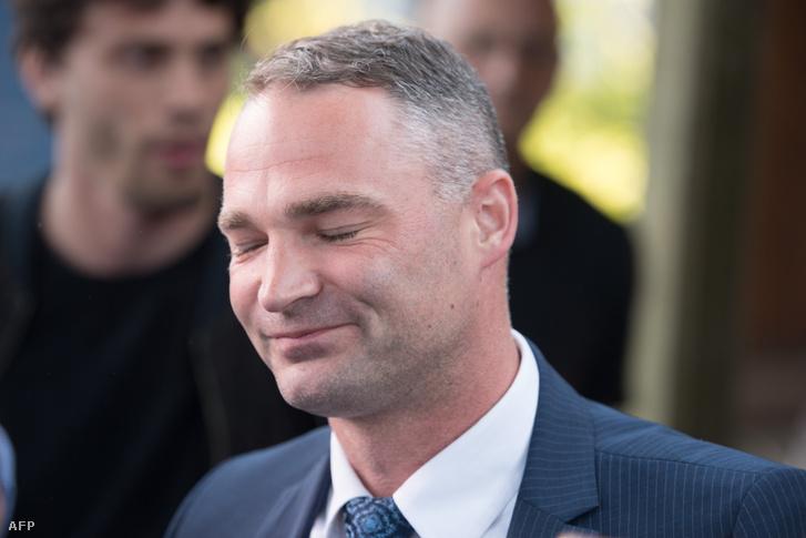 Sebastian Wippel reagál a helyhatósági választások második fordulós előzetes eredmények után Görlizben 2019. június 16-án