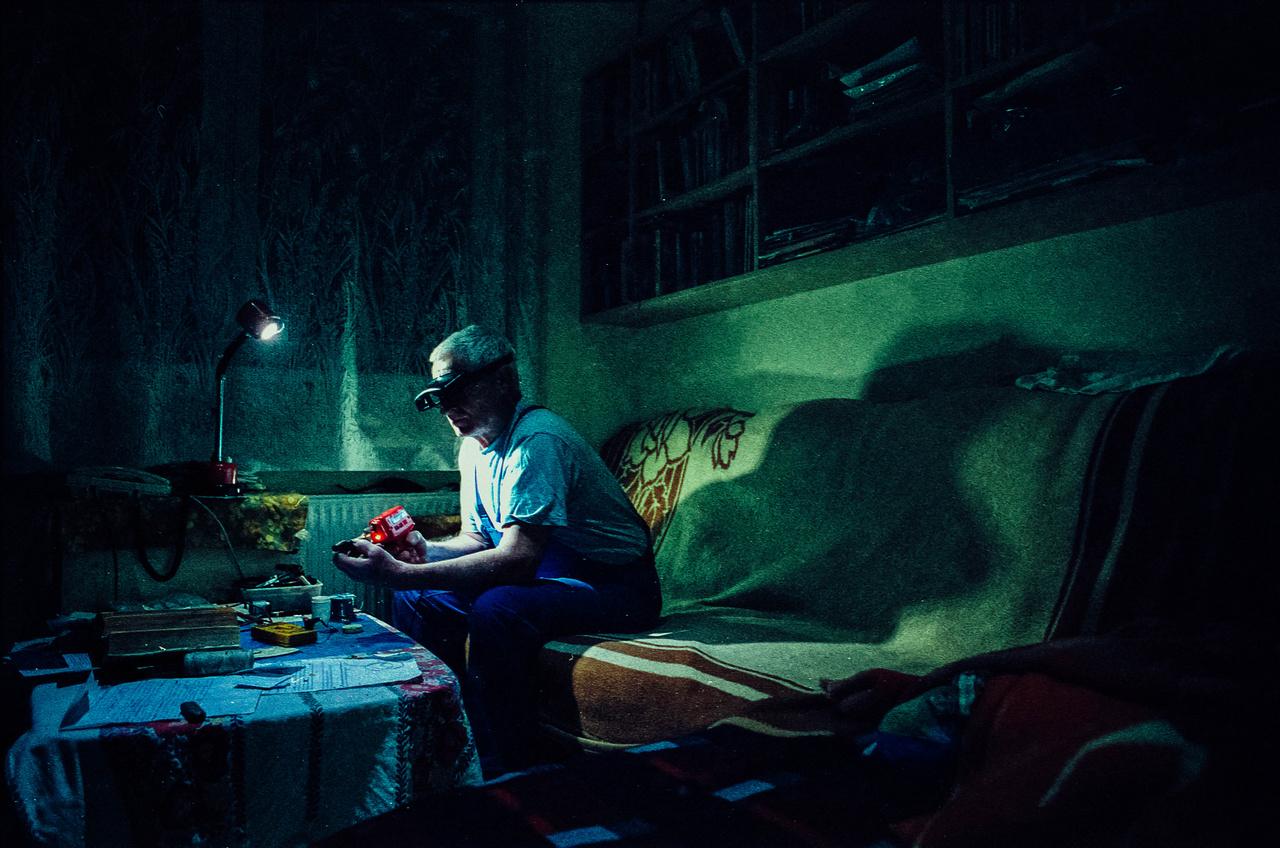 Az este készített képek megvilágítását Ferencz külön eltervezte.