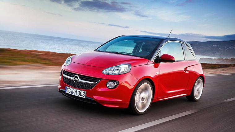 Nagy visszahívásra kötelezték az Opelt