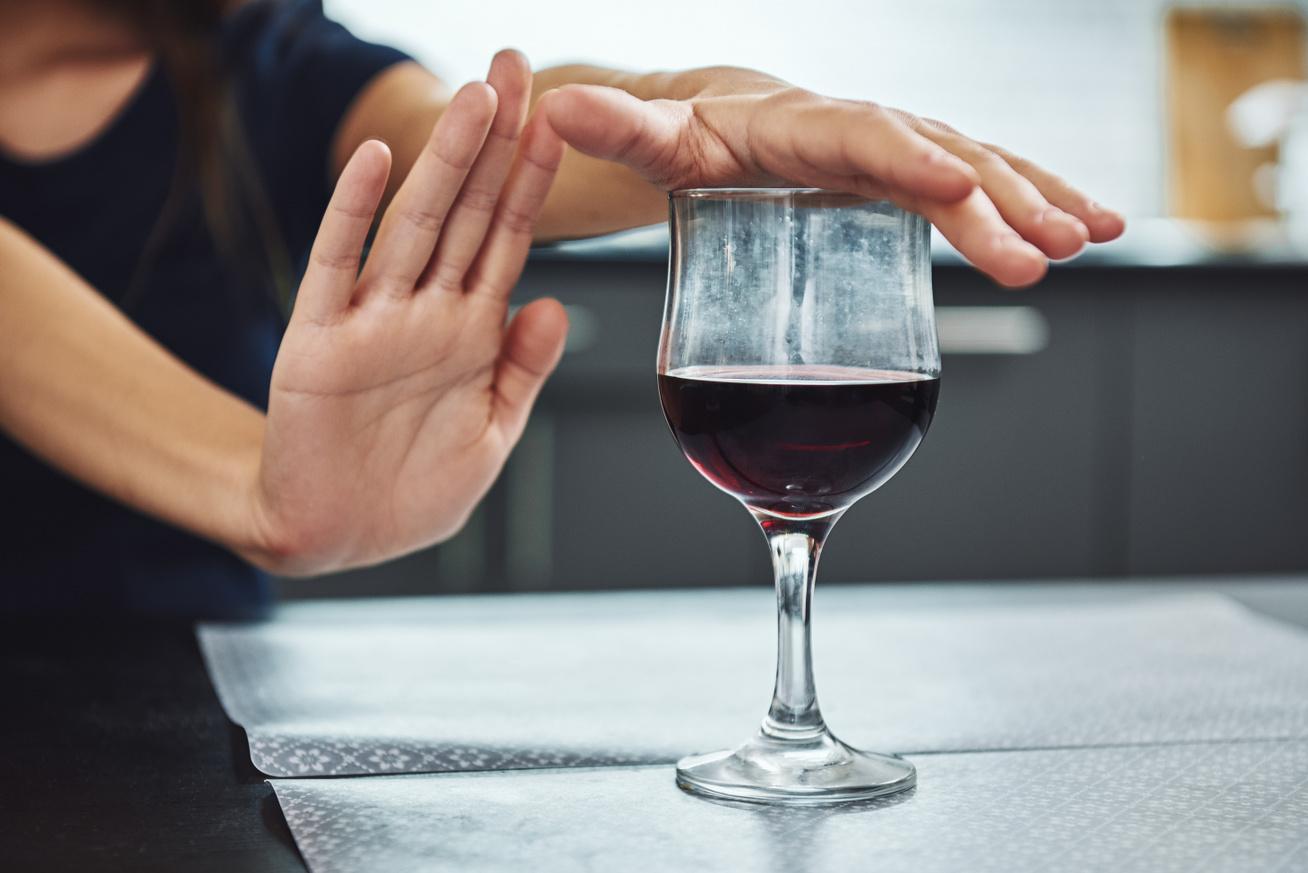 alkohol visszautasitasa