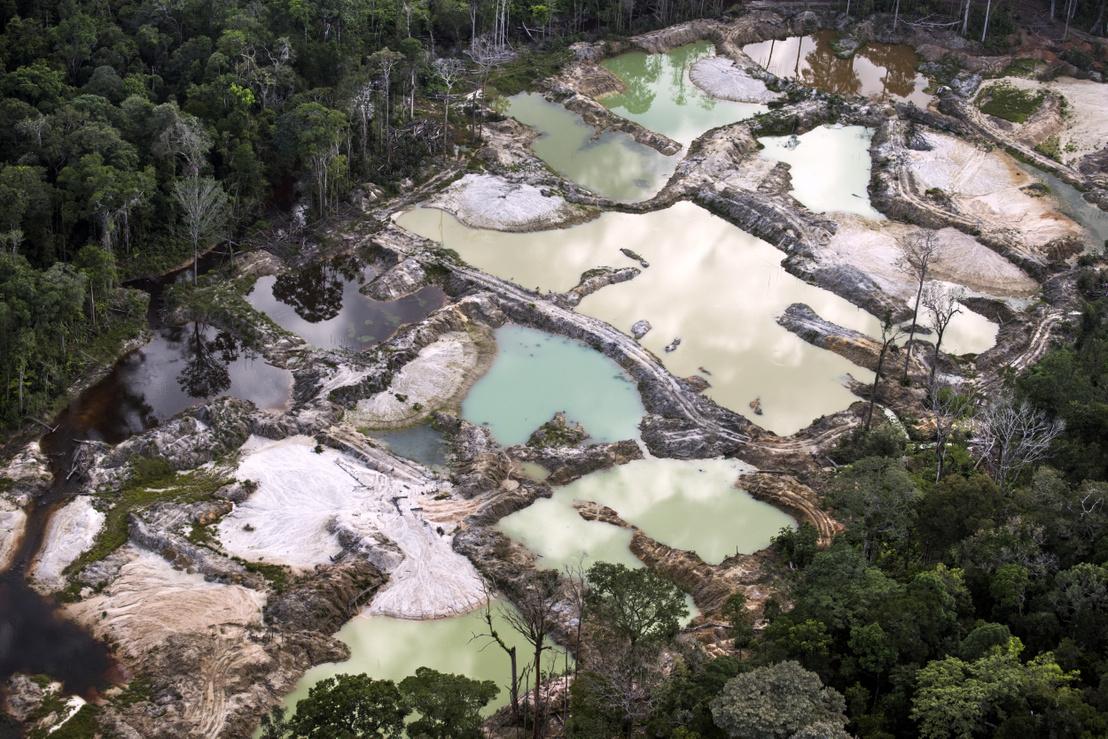Illegális aranybánya Macapá városa mellett Brazíliában