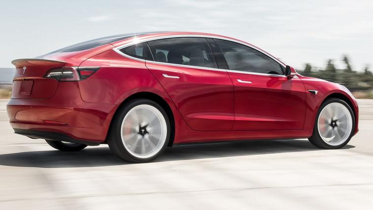 Eltűnik a legnagyobb hatótávú Tesla Model 3