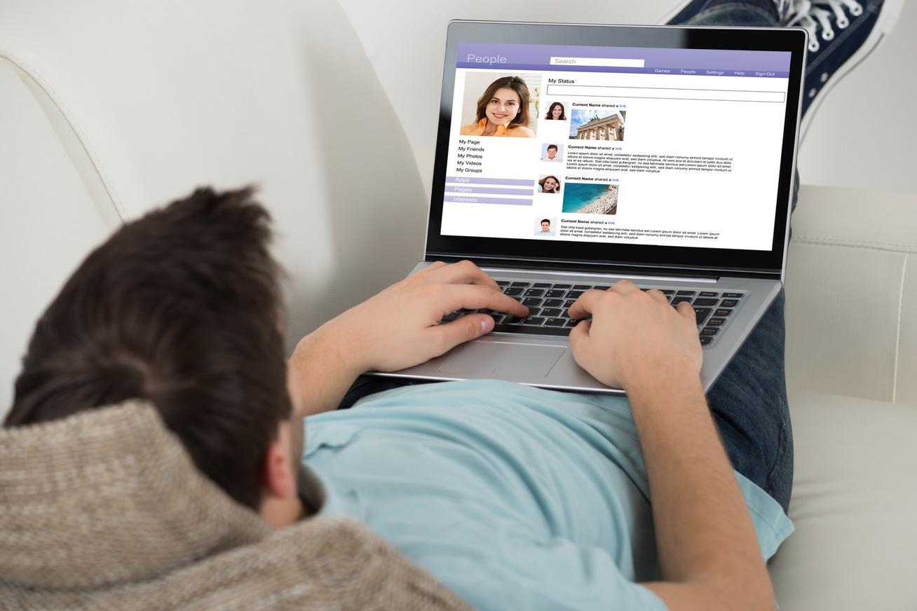minta férfi online társkereső profilok Mit tegyek, ha a legjobb barátja randevúzza a kedves lányt?