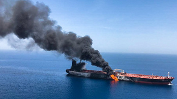 Egy lángoló tankernél nem kell egyértelműbb üzenet