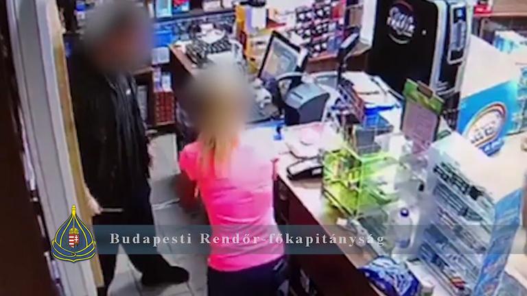 Fél Józsefvároson keresztül kergetett egy késes bolti rablót egy vevő